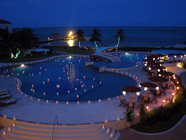 beach wedding pictures at grand caribe belize