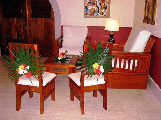 Tropical floral decor