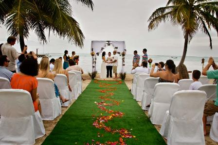 beach wedding in belize