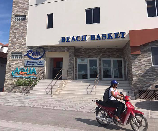 Belize island resort - shop