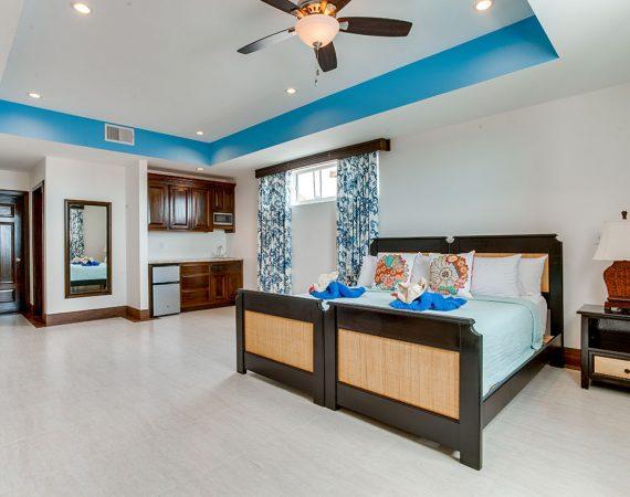 Ambergris Caye Belize 4 Bedroom Oceanfront Deluxe Condos