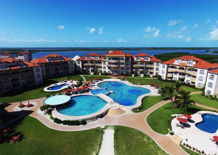 Grand Caribe Pools