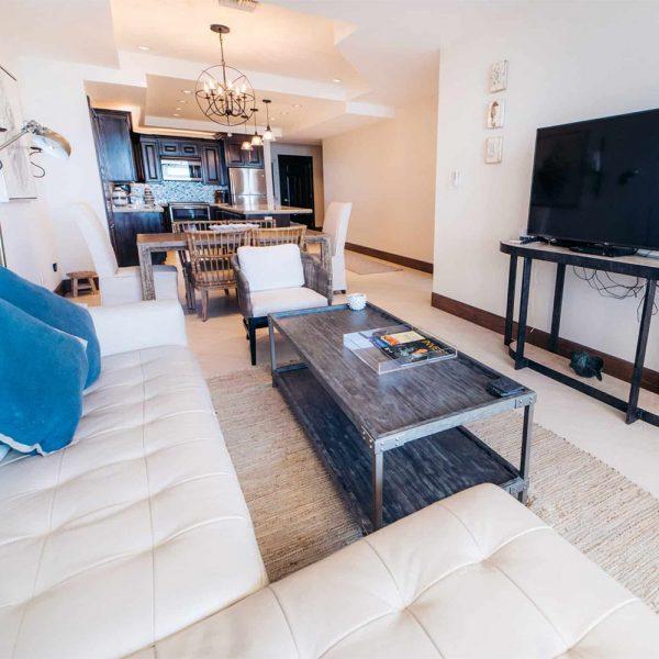 1 Bedroom Oceanfront Deluxe 1-2 Guests
