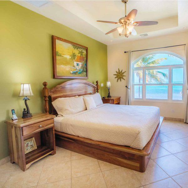 2 Bedroom Ocean View2-4 Guests