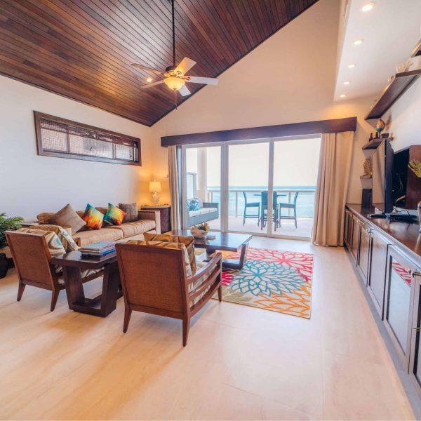 2 Bedroom Oceanfront Penthouse2-4 Guests