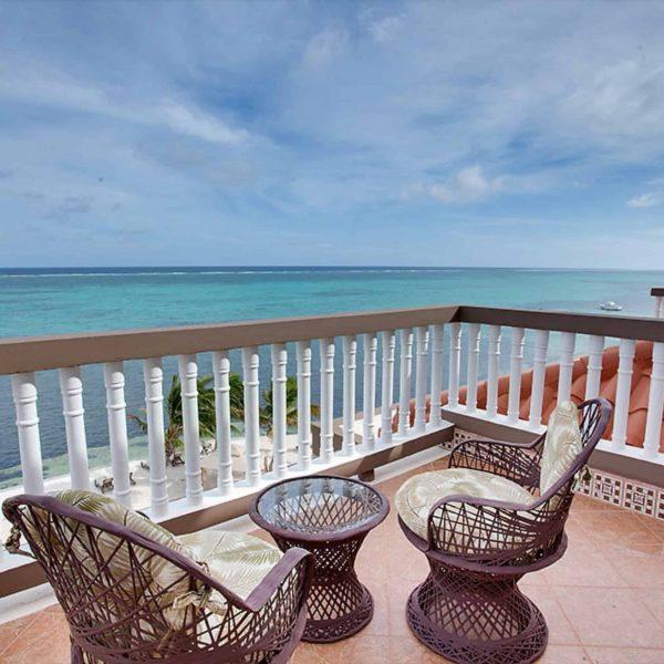 3 Bedroom Oceanfront3-6 Guests
